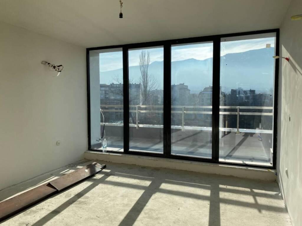 Южен панорамен светъл топъл апартамент 9113