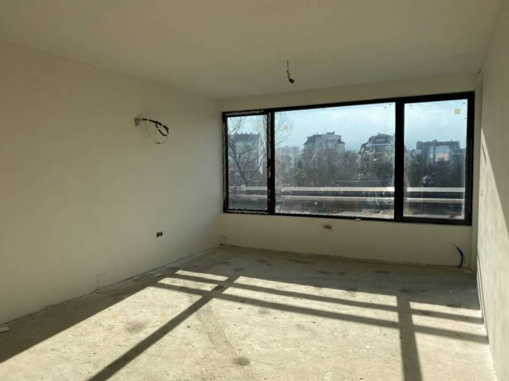 Южен панорамен светъл топъл апартамент 9102